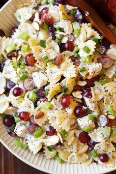 * Poppy Seed Chicken and Grape Pasta Salad - Cooking Classy-Poppy seed dressing meets pasta salad in this delicious side dish that is perfect for barbecues and summer dinners! Such a fun, tasty twist on pasta salad! Chicken Pasta Salad Recipes, Salad Recipes For Dinner, Salad Chicken, Healthy Pasta Salad, Summer Pasta Salad, Dessert Recipes, Bow Tie Chicken Pasta, Poppy Seed Chicken Salad Recipe, Bow Tie Pasta