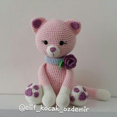 amigurumi pink cat amigurumi kedi Crochet Cat Pattern, Crochet Animal Patterns, Crochet Art, Stuffed Animal Patterns, Crochet Patterns Amigurumi, Amigurumi Doll, Crochet Animals, Crochet Dolls, Crochet Disney
