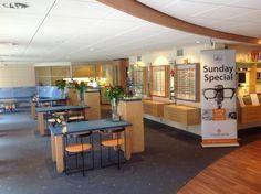 Toe aan een (nieuwe) bril? Kom vrijblijvend monturen passen in onze winkel op de Torenstraat 30 in Castricum! Wij geven je graag advies... Klik hier voor onze openingstijden: http://bossinade.nl/optiek/openingstijden-optiek#utm_sguid=150894,2072531a-da19-a39a-a42c-bfea9fb69900