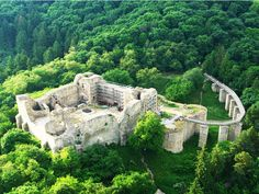 There are hundreds of castles, fortresses and monasteries in Romania. Places To Travel, Places To See, Travel Destinations, Transylvania Romania, Visit Romania, Romania Travel, Ancient Buildings, Abandoned Castles, Beautiful Places To Visit