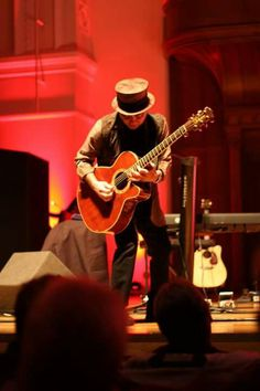 Nils Lofgren Cadogan Hall 14-1-2015