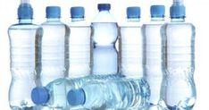 Το πιο πιθανό είναι ότι κανείς δεν σας έχει πει μέχρι τώρα κάποιες λεπτομέρειες που πρέπει να ξέρετε για τα πλαστικά μπουκάλια και το πώς μπορεί να επηρεάσ Projects To Try, Water Bottle, Healthy Life, Healthy Living, Water Bottles