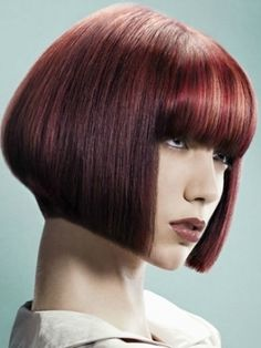 Easy-to-Style Medium Haircut Ideas 2012 - If your beauty mantra is 'the more versatile the better', go for one of these easy-to-style medium haircut ideas 2012. Embrace extravagance with a few unique styling options.
