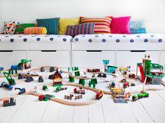 Children's room - Brio toys - Viia J. Brio Toys, Deco Kids, Toy Rooms, Modern Kids, Kids Corner, Deco Design, Kid Spaces, Kids Decor, Kids Bedroom