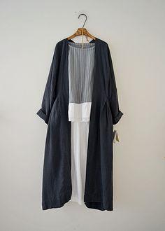 Veritecoeur 라미린넨 로브코트 Iranian Women Fashion, Muslim Fashion, Modest Fashion, Hijab Fashion, Korean Fashion, Boho Fashion, Fashion Dresses, Fashion Design, Casual Hijab Outfit