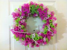 AKA curled decor mesh wreath