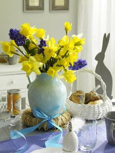 Easter daffs and Hys!