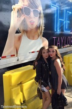maddie and kendall at the taylor swift concert! Credit to: @TalentedDancers
