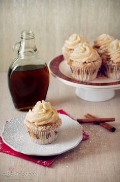 """French Toast Cupcakes - Exploring Unique and Creative """"French Toast"""" #Recipes #nomnomnom http://www.surfandsunshine.com/french-toast-recipes/"""