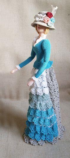 Häkeln Sie elegante schicke Stoffpuppe im retro-Stil. Lady in Türkis Ich habe es aus Öko-Baumwollgarn gehäkelt. Diese Sammler Puppe wird schmücken jedes Interieur, Rais ein Lächeln und die Aufmerksamkeit. Es kann selbst stehen. Beste Geschenk für Mama und Mädchen Höhe 12 Zoll (30cm)