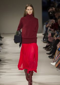 Victoria Beckham Herbst/Winter 2017/18 // red for fall // fashion inspiration for women