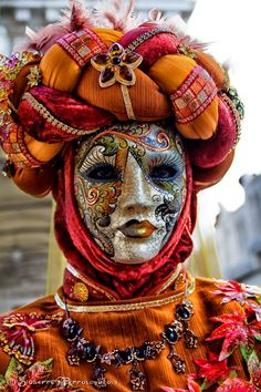 Venetian mask. By Giuseppe Peppoloni.