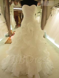 Tbdress.com offers high quality Classical Sweetheart Floor Length Organza Ruffles Wedding Dress Latest Wedding Dresses unit price of $ 155.79.