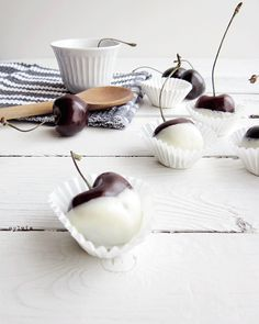 Sweet cherries by Sylvia Houben @ Cosiness so mouth-watering!