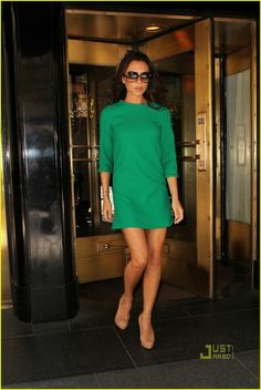 I need this dress- Give Me Glam: November 2010