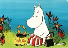 MoominMama making pancakes. Have a great Moomin shrove Tuesday followers
