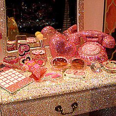 Image discovered by Rosanne. Find images and videos about pink, girly and glitter on We Heart It - the app to get lost in what you love. The Bling Ring, Bling Bling, Vintage Pink, Tout Rose, Pink Lila, Pastel Purple, Catty Noir, Boujee Aesthetic, Peach Aesthetic