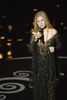 Barbra Streisand Photos - Singer/actress Barbra Streisand performs onstage during the Oscars held at the Dolby Theatre on February 2013 in Hollywood, California. - Annual Academy Awards - Show Oscars 2013, Kris Kristofferson, Barbra Streisand, Red Carpet Looks, Hello Gorgeous, Female Singers, Celebs, Celebrities, Girl Humor