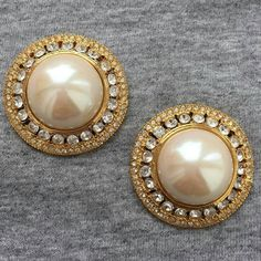 BLANCA Crystal Pearl Earrings round button Chunky clip-on Gold Tone Designer Couture Runway Statement Vintage Byzantine RARE! Simple Earrings, Round Earrings, Clip On Earrings, Pearl Earrings, Bridal Accessories, Statement Jewelry, Crystal Rhinestone, Wedding Jewelry, 1980s
