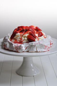 Strawberry SwirlPavlova
