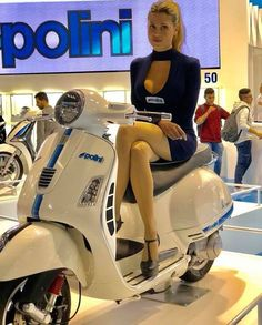 How To Have A Great Auto Repair Experience Vespa Bike, Motos Vespa, Lambretta Scooter, Scooter Motorcycle, Vespa Scooters, Vespa Helmet, Scooter Girl, Mod Scooter, Italian Scooter