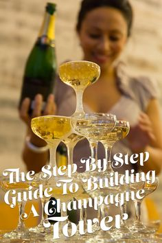 Serving Champagne from a Champagne Tower is a very impressive party trick. Learn how easy it is to build a Champagne Tower with our step-by-step guide! Roaring 20s Party, 1920s Party, Great Gatsby Party, Gatsby Theme, Nye Party, Gatsby Wedding, Moon Wedding, 30th Party, Roaring Twenties