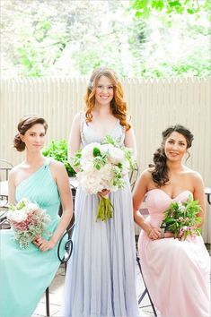 It is an old tradition that all the bridesmaids of the bride used to wear the same dresses on the wedding day
