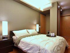 Apartment in Singapore Designed by KNQ Associates – Home Design Minimalist Apartment, Minimalist Interior, Minimalist Home, Home Design, Best Interior Design, Clean Design, Modern Apartment Design, Master Bedroom Design, Master Suite