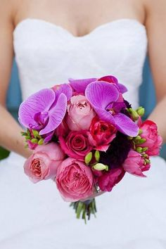 THE SHADES OF PINK AND PURPLE CREATE QUITE THE DRAMATIC EFFECT