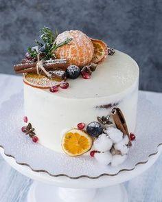 ideas fruit cake decorating ideas wedding inspiration for 2019 Christmas Cake Pops, Christmas Cake Decorations, Holiday Cakes, Christmas Desserts, Christmas Baking, Winter Torte, Winter Cakes, Drip Cakes, Pretty Cakes