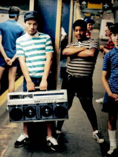 vintage everyday: Hip-Hop Scene from the 1980s