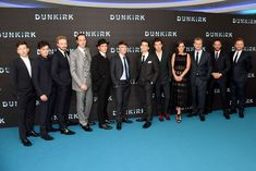 Sharp tailoring from Tom Hardy, Cillian Murphy and Harry Styles Dunkirk Cast, Dunkirk Premiere, Harry Styles Bandana, Harry Styles Photoshoot, Fionn Whitehead, Harry Styles Shirtless, Cillian Murphy Peaky Blinders, Harry Styles Tattoos, James D'arcy