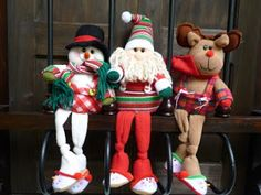 EL TALLER DE ROSA: MUÑECOS 2011 Fabric Decor, Fabric Crafts, Christmas Fabric, Christmas Decorations, Holiday Decor, Reno, Elf On The Shelf, Ronald Mcdonald, Seasons