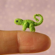 So Cute! Micro Miniature Crochet Chameleon  - Jointed - the website has many other tiny animals!