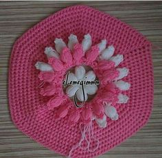 This post was discovered by Ha Crochet Doilies, Crochet Hats, Crochet Crocodile Stitch, Woolen Craft, Ladoo Gopal, Hardanger Embroidery, Crochet Projects, Projects To Try, Knitting