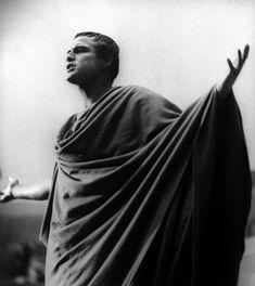 Marlon Brando(Julius Caesar)