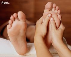 A systematic & detailed course teaching advanced Reflexology techniques incorporating Traditional Chinese Medicine (TCM) Massage Shiatsu, Reflexology Massage, Thai Massage, Face Massage, Massage Deals, Massage Treatment, Massage Techniques, Traditional Chinese Medicine, Tea Tree Oil