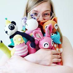 Photo by Veronica | Garnknuten | AMIGURUMI DESIGNER #Regram via @www.instagram.com/p/CQ-XSf4rzKE/ Crochet Food, Crochet Patterns Amigurumi, Diy Toys, Stuffed Toys Patterns, Handmade Toys, Veronica, Kids, Animals, Instagram