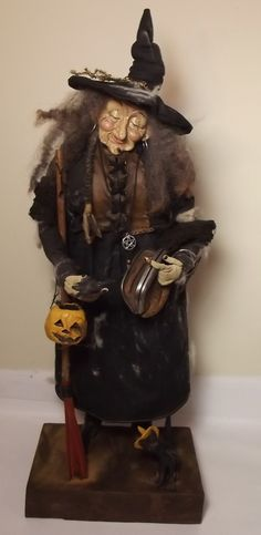 "Handmade Halloween Witch By Kim Sweet~Kim's Klaus~""along came a Spider"". Halloween Arts And Crafts, Halloween Doll, Halloween Cosplay, Halloween Decorations, Witch Dolls, Witch Costumes, Witch Art, Wicked Witch, Illustrations"