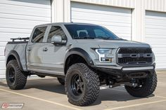 New lift device installent Ford Raptor Lifted, Ford Raptor Truck, Ford Ranger Raptor, Ford Pickup Trucks, Ford Bronco, F150 Lifted, 2017 Ford Raptor, Ford Ranger Mods, Custom Ford Raptor