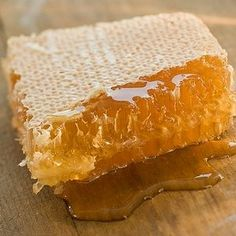 Honey-glazed chops 'n' veggies Mini Desserts, Honey Glaze, Gold Aesthetic, Milk And Honey, Raw Honey, Save The Bees, Mellow Yellow, Back Home, Honeycomb