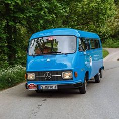 Home away from home: the Columbia-blue #MercedesBenz L 206 D  #MBcars #vans #TheBestOrNothing #classiccars #carsofinstagram