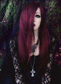 Rose Print Women Fashion Gothic Punk T Shirt Casual Short Sleeve Blouse Tops Tee – Angels and Demons Goth Hair, Grunge Hair, Goth Beauty, Dark Beauty, Gothic Hairstyles, Pretty Hairstyles, Hair Color Dark, Dark Hair, Coiffure Hair