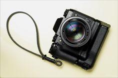 Fuji X-T1 camera with VG-XT1 grip