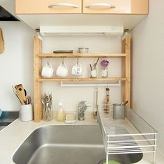 kitchen accessories for camping Tiny House Kitchen, Small Kitchen Hacks, Home Kitchens, Rustic Kitchen, Kitchen Storage Hacks, Kitchen Sink Design, Kitchen Design Open, Small Room Interior, Apartment Kitchen