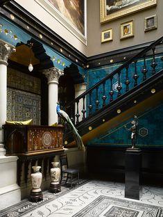 Leighton House Museum, London. Hieno päivä, kävely Bayswaterista puiston ja diplomaattialueen poikki Kensingtonin puolelle Leightonin taiteilijakotiin.