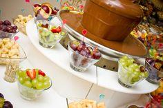 Cómo hacer una mesa de fondue de chocolate para sorprender