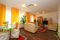 Private Apartment Am Mittelfelde (4607) Hannover Private Apartment Am Mittelfelde (4607) offers accommodation in Hannover, 1.4 km from Hannover Fair and 1.9 km from TUI Arena. The apartment is 2 km from Expo Plaza Hannover.