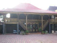 Limas house from palembang Indonesian Decor, Vernacular Architecture, River Bank, Palembang, Medan, Capital City, Traditional House, Custom Homes, Interior And Exterior