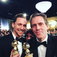 Tom Hiddleston & Hugh Laurie winning their Golden Globes for The Night Manager